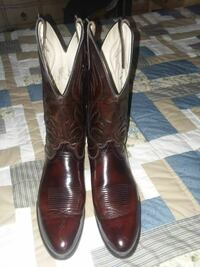 pair of brown leather j-toe cowboy boots Hampton, 23669