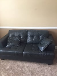 black leather loveseat Alexandria, 22312