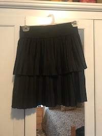 Dynamite pleated skirt XS