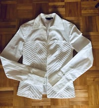 Tailored white blouse size 6 Ottawa, K1J 7V7