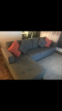 I'm selling the sectional couch Toronto, M1N
