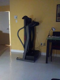black and gray elliptical trainer Châteauguay, J6K 4P9