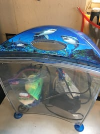 Shark printed clear glass fish tank with water filter and decors Grimsby, L3M 3H5