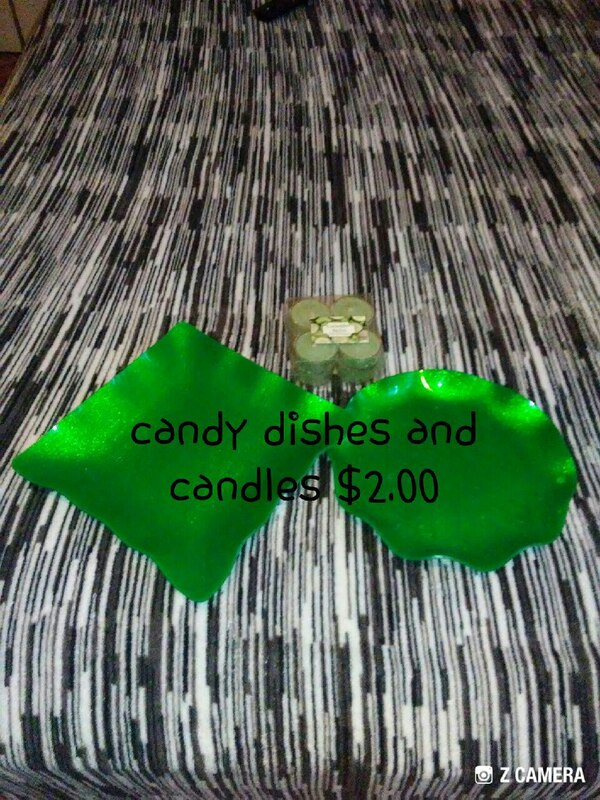 Candy dish and candles {GREEN}