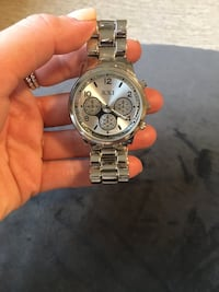 round silver-colored chronograph watch with link bracelet London, N6K