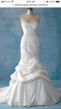 White alfred angelo disney collection sweetheart-n Orillia, L3V 0A6