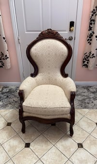 Antique Carved Chair Palmdale, 93552