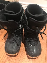 Used Lamar snowboarding boys boots size 4 pick up only Richmond Hill, L4E 4L1