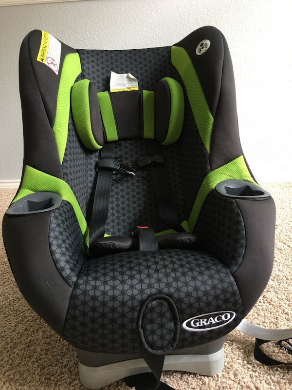 Baby S Black And Green Graco Car Seat