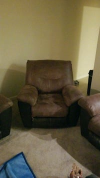 brown suede recliner sofa chair Alexandria, 22306