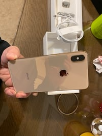 AT&T IPhone XS Max 64GB Gold Dumfries, 22026