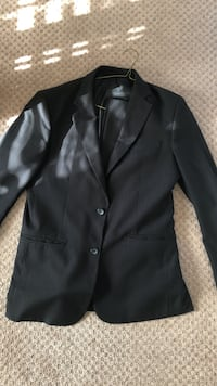 Men's suit with blazer and pants in black good condition size 42 regular  Surrey, V3X 0B3