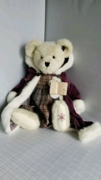 Winter Time Fashion Collectible Bear Snoqualmie, 98065