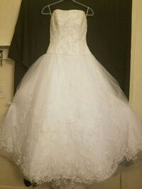 Casablanca Bridal Wedding Gown and Veil Columbus, 43232