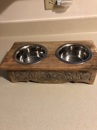 Two stainless steel pet bowls w/ wooden holder Wheatfield, 14120