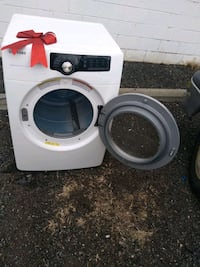 Dryer made by Samsung heavy duty dryer works good 6 month warranty