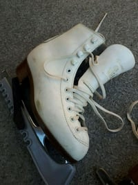 Girls WIFA iceskates