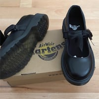 Pair of black leather shoes Liverpool, L13 9AQ