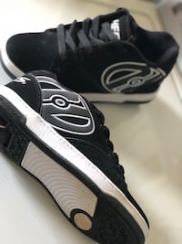 Black-and-white heelys size 6 youth  Pearl City, 96782