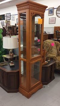 Display cabinet lighted Owensboro, 42303
