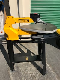 DeWalt Scroll Saw with Base 2390 mi
