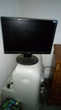 """Computer monitor. 19"""" Johnstown, 15901"""