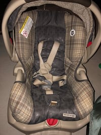 Infant car seat 588 km