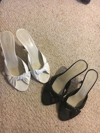 pair of black-and-white sandals Alexandria, 22303