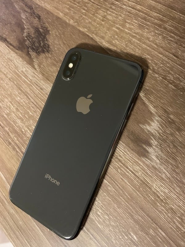 Iphone x perfect condition willing to trafe 64 GB blck  af7d5586-de98-4042-b644-9808b3a07e07