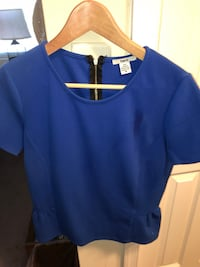 blue scoop-neck shirt Alexandria, 22304