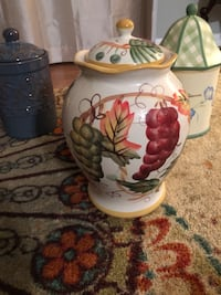 Hand painted Autumn cookie jar  Centreville, 20121