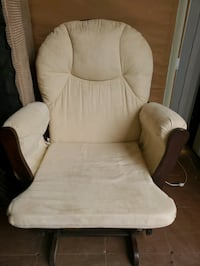 Baby rocking chair- beige and brown Brampton, L6S 4Z1