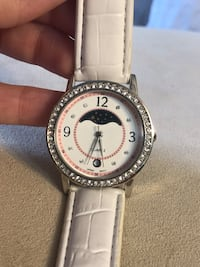 Round silver analog watch with white leather strap Essex, 21221