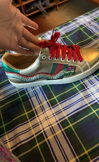 Gucci shoes with snake , authentic