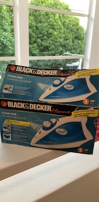 Black & Decker Steam Iron - GOOD AS NEW