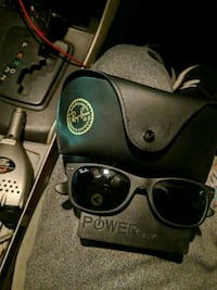 ray bans WIth the case brand new  26 km