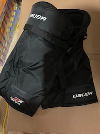 Bauer hockey pants - youth medium Middlesex Centre