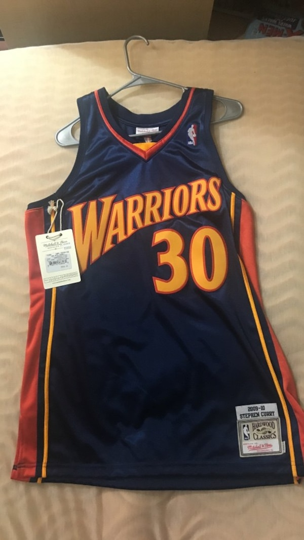 Used AUTHENTIC NEVER WORN Steph curry rookie jersey NEGOTIABLE PRICE ... a716e4fdb
