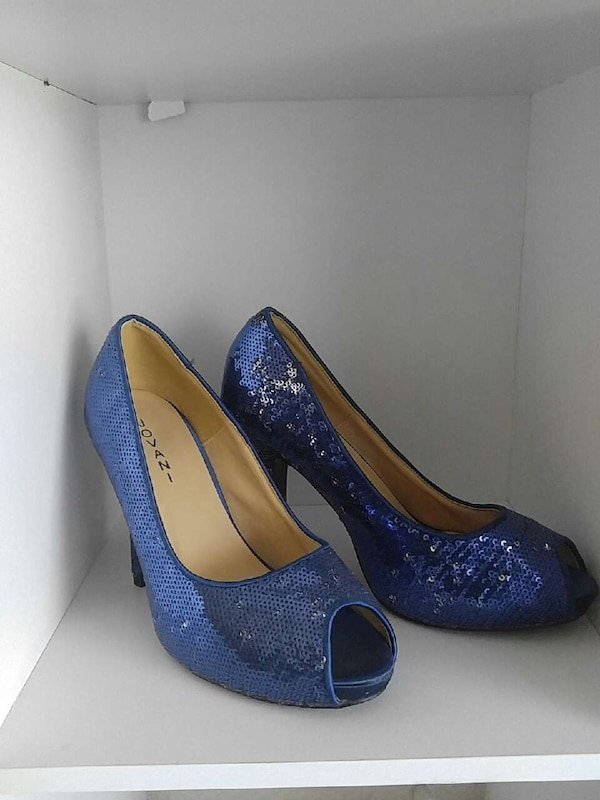 0d7b41cdf68e Used Blue Sparkly sequin heels size 8 for sale in Neenah - letgo