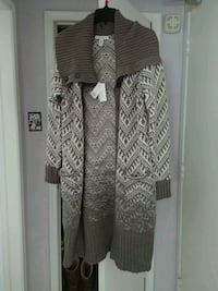 Banana Republic wool sweater - size large Toronto, M4S 1B4