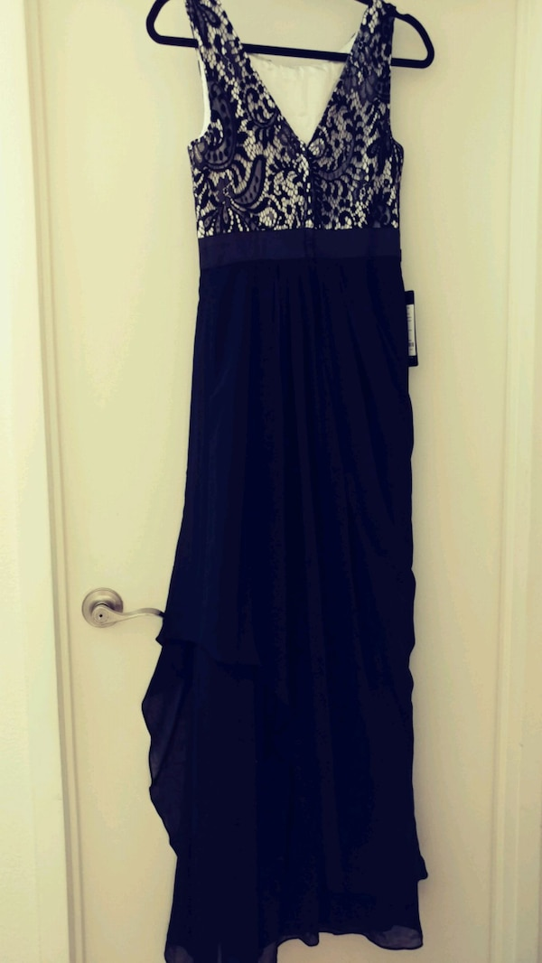 Elegant black and cream dress size 6 NWT