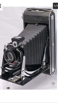 Kodak Jiffy Six 16 (made 1933-37) Camera   Chrome/Enamel Art Deco Octagonal Front Film Folding Camera  In very good condition   Offered for only $99 Toronto, M5P 2V5