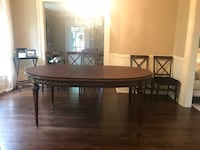 oval brown wooden dining table Clarendon Hills, 60514