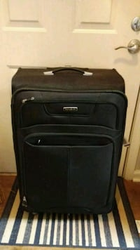 Stylish black Samsonite suitcase Germantown, 20876