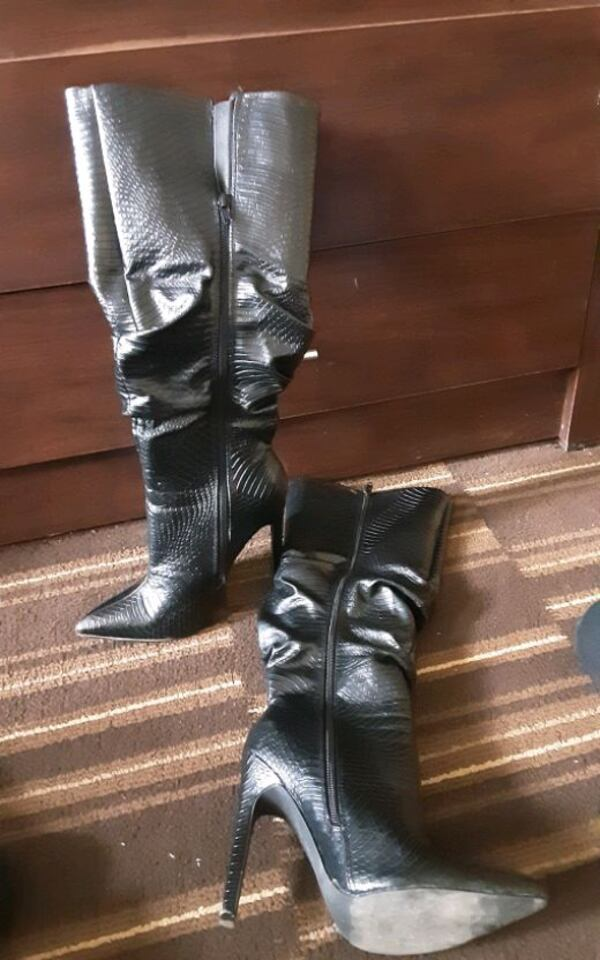 Blk stiletto boots. Snake skin faux, leather. Must letgo! Make offer? 7f249c04-f046-4683-8799-123605198791