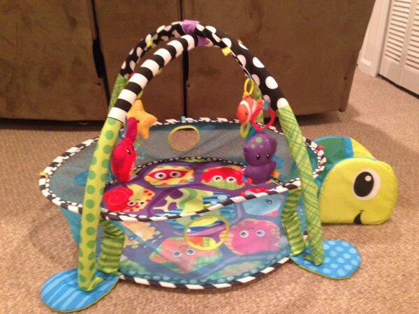 Infantino Grow-with-Me Activity Gym & Ball Pit