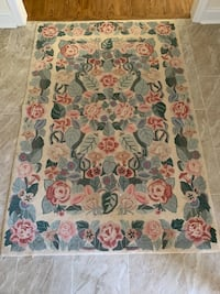 Sweet needlepoint area rug. Measures 4' x 6'. In excellent condition   Potomac, 20854