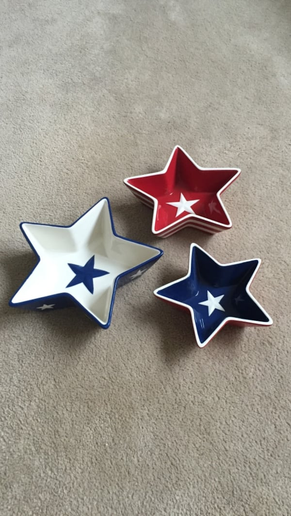 Set of 3 patriotic star bowls. Perfect for the 4th of July 9bb9e785-376b-445d-9f4a-505c4cf0ca8b