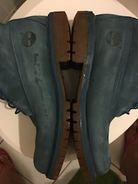 Size 9 Navy Timberland 6-inch Boots
