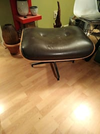 black leather padded rolling chair Houston, 77030